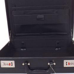 Diplomata táska fekete színű